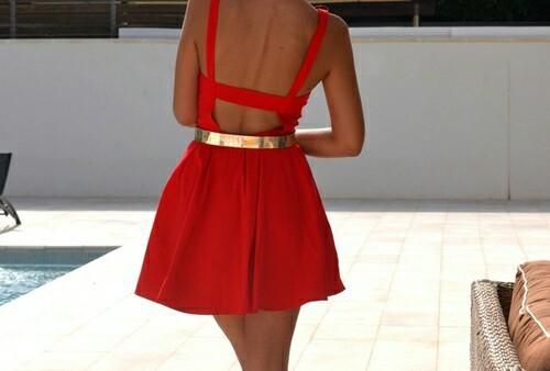 Елегантността на червения цвят