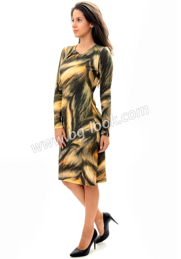 f743f49d42d Дамска рокля черна от шифон в комбинация с дантела на волани RUMENA ...