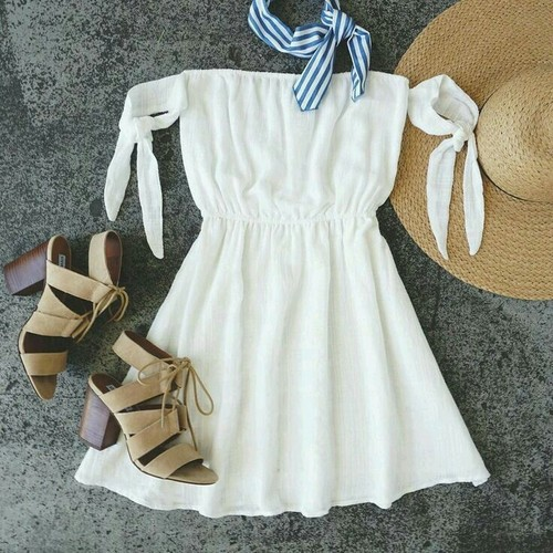 Уверени в бяла рокля