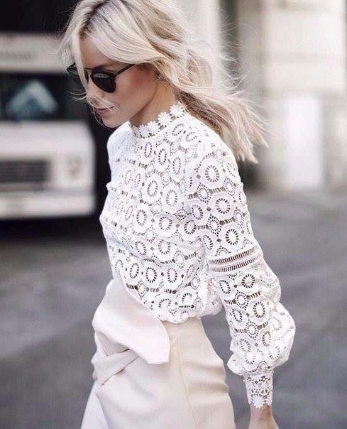 Блузите с дантела – подходящи за всеки сезон