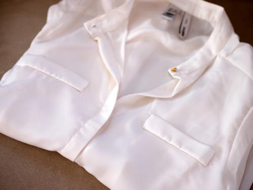 Шик и прохлада с копринените дамски ризи