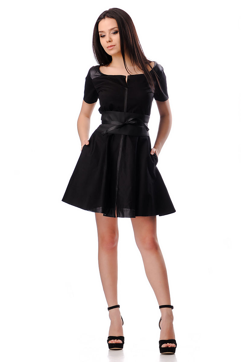 6d1ffe9c31e Къса дамска рокля от черен сатен - Дрехи Fashion Colors ✨