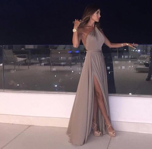 Вечерни дълги рокли – изискана визия и блясък