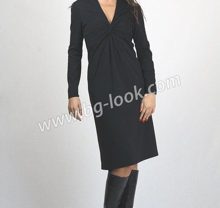 Класика в черна рокля – винаги на модния подиум